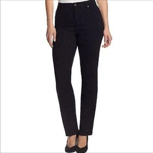 NWT Gloria Vanderbilt 6 short Amanda Jeans black